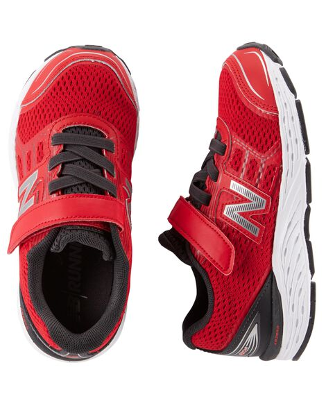 Display product reviews for New Balance 680v3 Sneakers