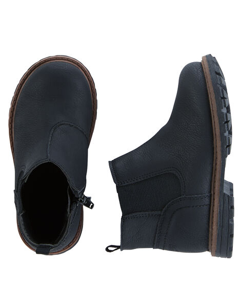 Display product reviews for OshKosh Chelsea Boots