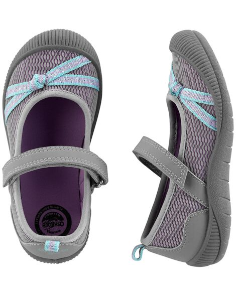 Display product reviews for OshKosh Bump Toe Mary Janes
