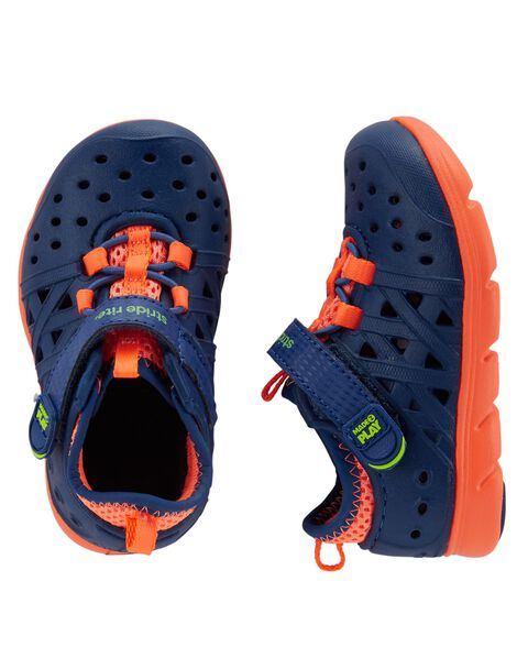 Display product reviews for Stride Rite Phibian Sneaker Sandal